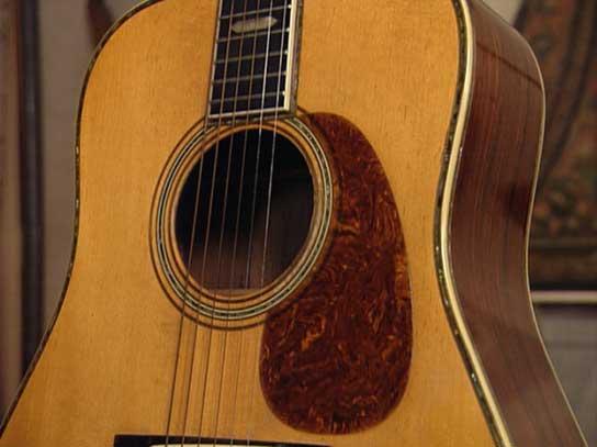 C F  Martin Guitars